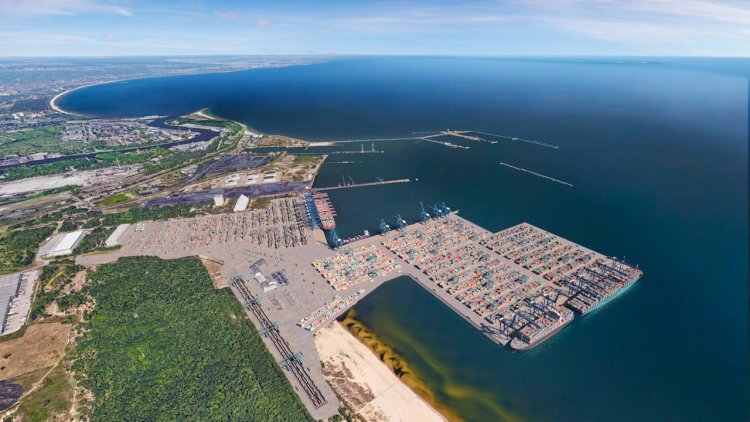 DCT Gdańsk wins concession for new Gdańsk container terminal